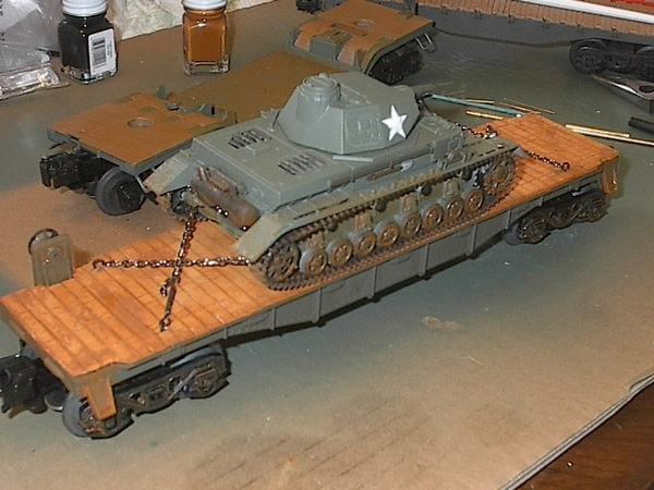 IM005859 Rigt side tank on flat