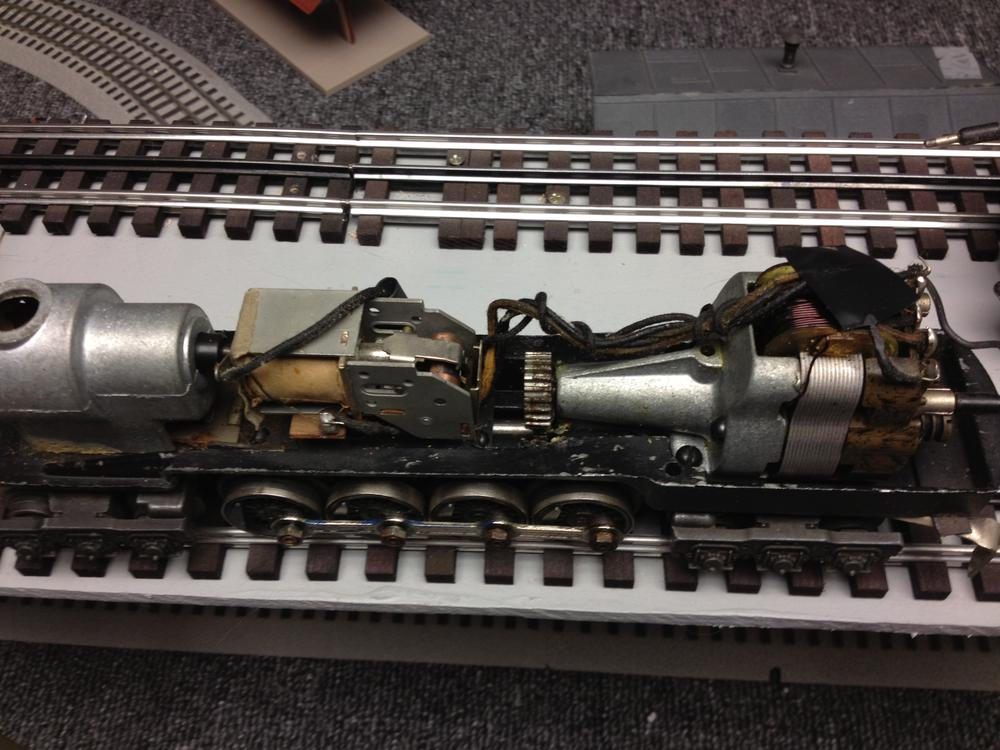 1950s Lionel F3 2343 Santa Fe Engine also Train Sel Engine Schematics additionally 05 also 884 Lgb Switch Machine Control furthermore 3mpdq Suburban Nt 16se Furnace Trailer. on lionel motor wiring
