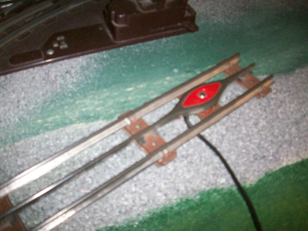 106_8066 lionel 027 uncoupling track issue o gauge railroading on line forum lionel uncoupler wiring diagrams at pacquiaovsvargaslive.co