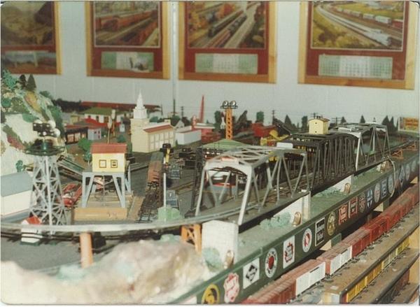 Jim's Train Shop 008