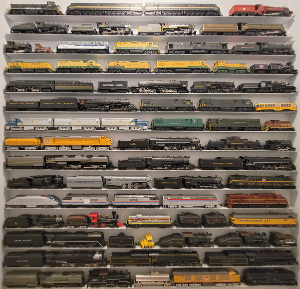 Train Shelves N1