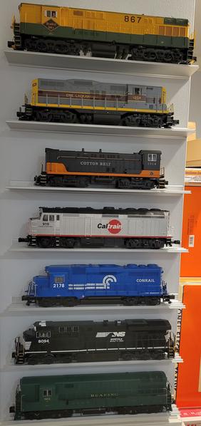 Train Shelves N4