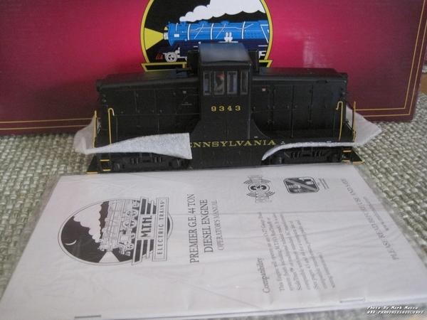 MTH-Premier-GE44T-Switcher0001