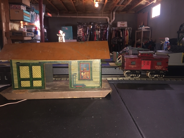 Ives 115 Station& 67 caboose