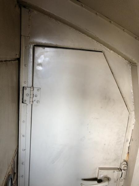 E-8 interior rear wall fireman doora
