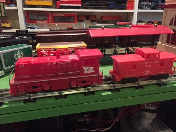 Lehigh Valley Switcher and caboose