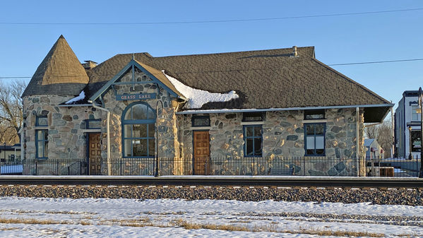 6 Grass Lake Station