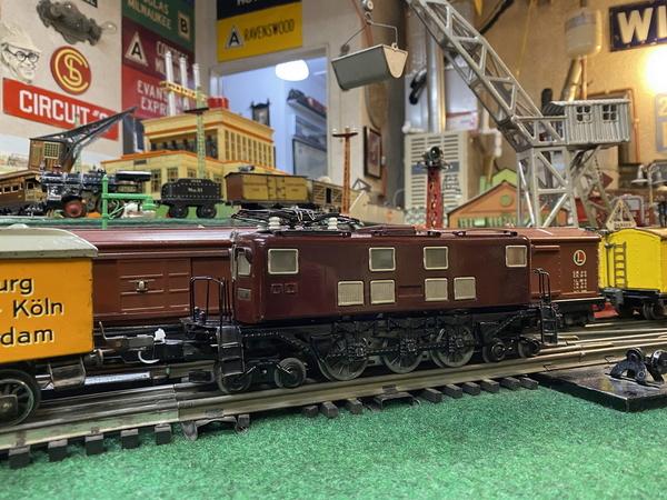 Sakai EB5873 electric loco 3