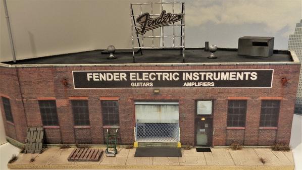 FENDER [4)