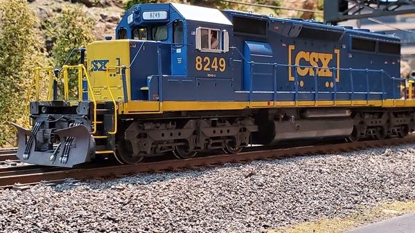 MTH_CSXSD40_2_diesel_engine
