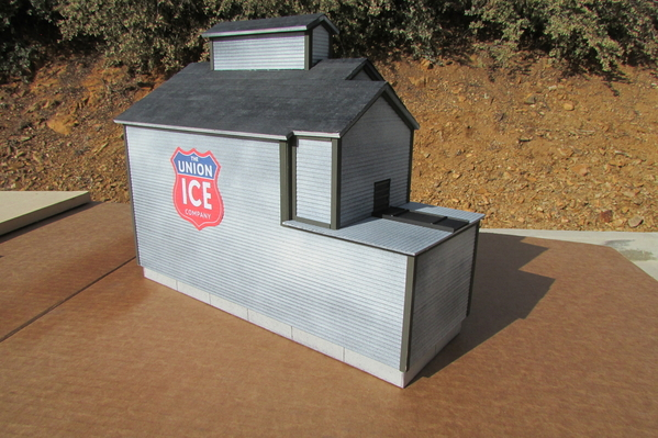 2021-01-23 Scratch Build Wood Ice House 010