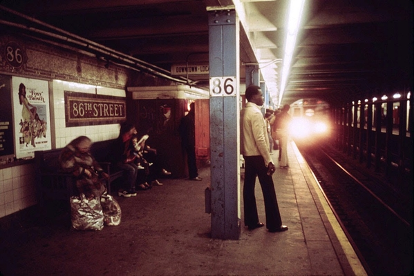 NYC in the 1970s [29)