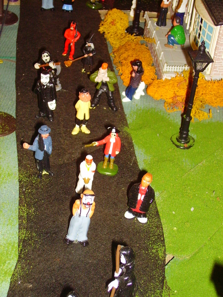 z - Halloween Street Middle - day