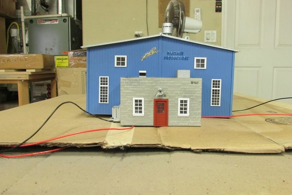 2020-11-11 S Scale Freight Building 001