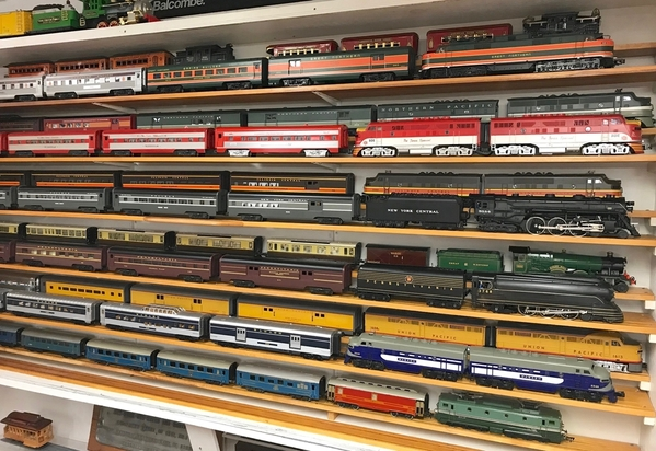 TRAIN ROOM EAST CABINET