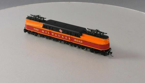 IHC M9670 Milwaukee Road GG-1 Electric Locomotive, C7 - Actual Photo3