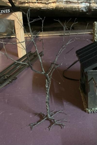 bare wire tree
