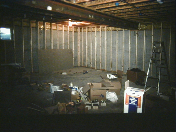 2140-1995-10 Slide-framing basement 1