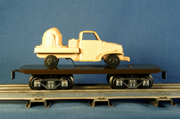 Car_Marx_AMtrains_Production_Flat_With_Load