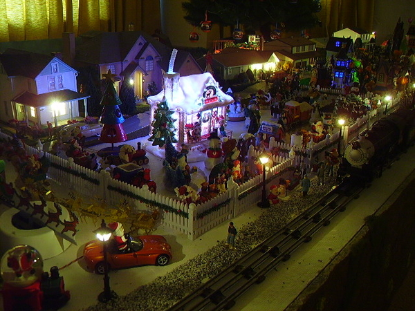 z - Santa and some waltburg - night 2