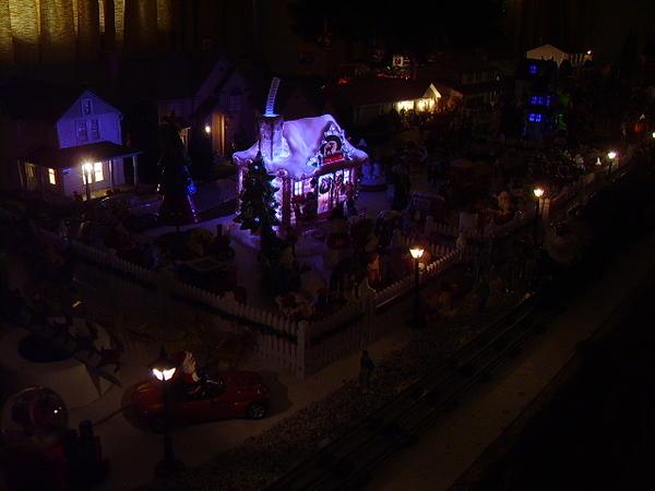z - Santa and some waltburg - night