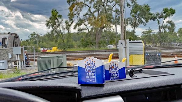 2 Lunch in truck