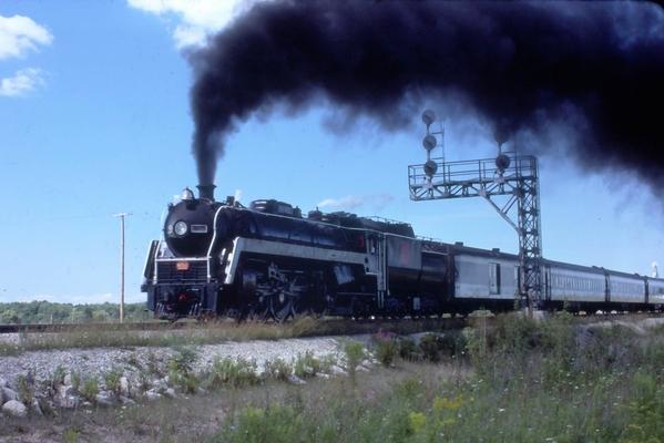 CN 6060 Niagara Falls ONT 1977 [3)