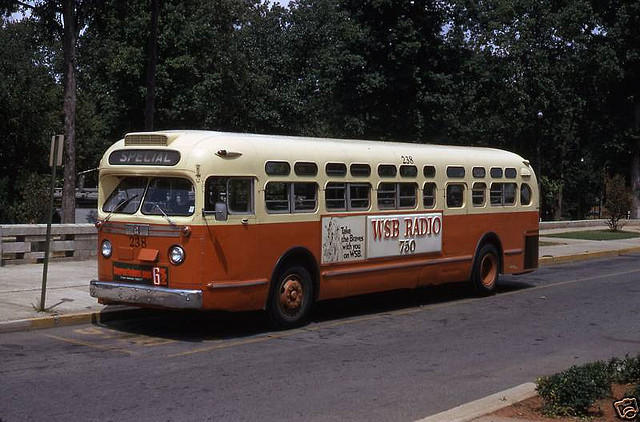 Rochester Ny Restored Old Look Bus: Anyone Know A Source Of 1:48 Or 1:50 1950s Buses?