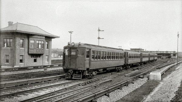23-MP41 1006 and train past J tower-Jamaica-c.1913