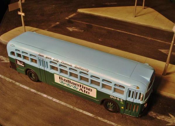 SI buses [2)