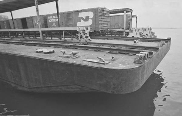 4 70's Pier6