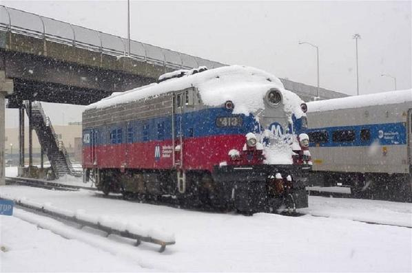 Metro North FL-9 - snow-2-2010