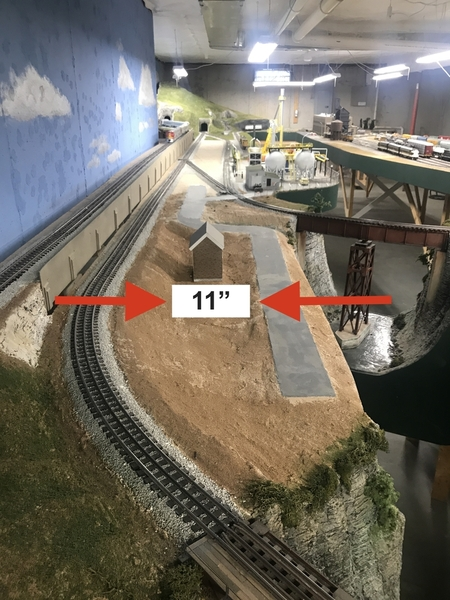 Layout Other-side-of-the-tracks space 11