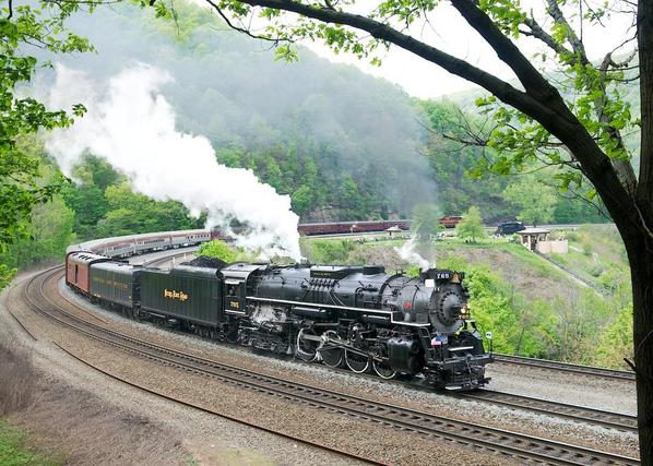 NKP No. 765 assaulting Horseshoe Curve with NS's Employee Appreciation Special.
