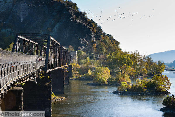 08WV-1146-Potomac-River-BO-Railroad