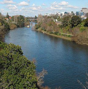 288px-Waikato_river_750px