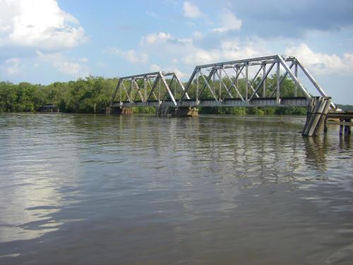 altamaha-river-railroad-trestle-bridge-pass-through-steel-frame-photograph-photo-picture-pic-image-copyright-brian-brown-vanishing-south-georgia-glynn-county-ga