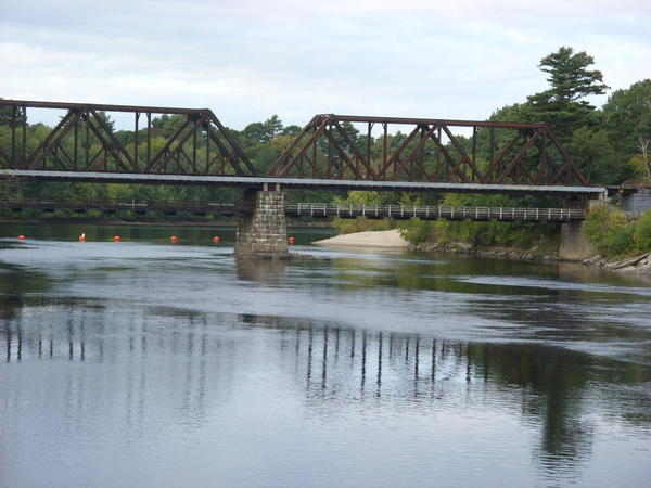 Androscoggin_River_Railroad_Bridge,_Brunswick,_Maine_-_20080921