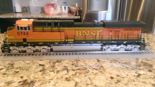 MTH es44ac BNSF 2010 | O Gauge Railroading On Line Forum