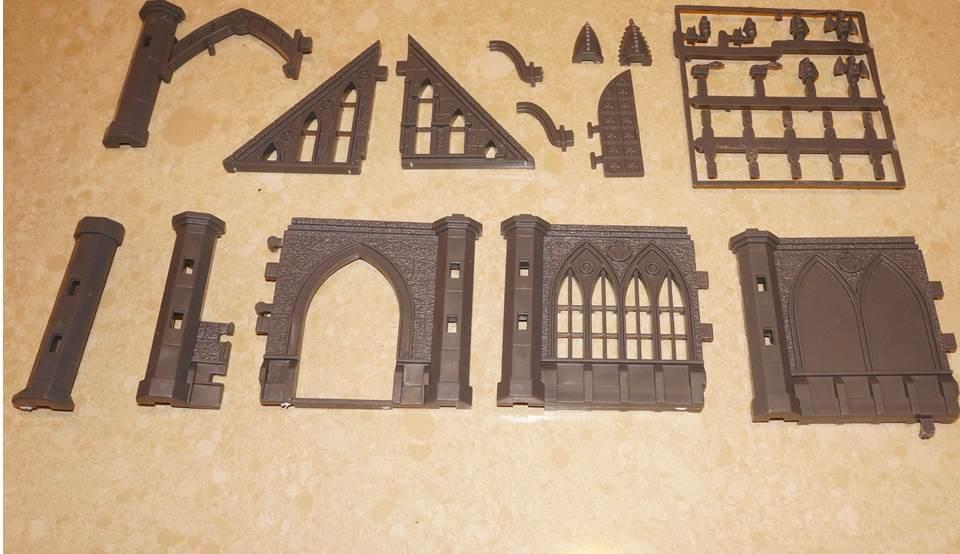 Review and comments on Pegasus Gothic Building Kits for O Gauge Use