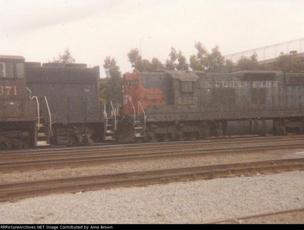 SP 4450 SD9E doing freight duty at SSF Yard May 1994