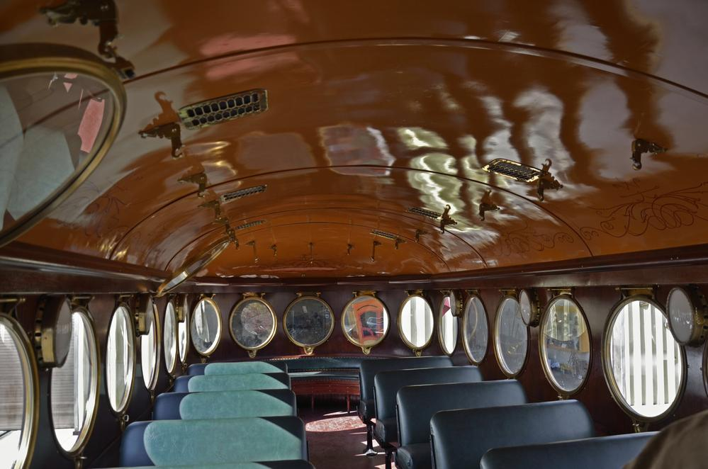 mckeen rail motor car interior o gauge railroading on line forum. Black Bedroom Furniture Sets. Home Design Ideas