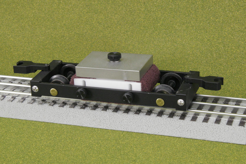 S Scale Track Cleaning Car