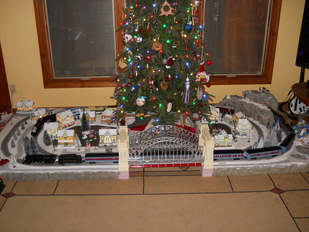 Christmas Tree Train Track