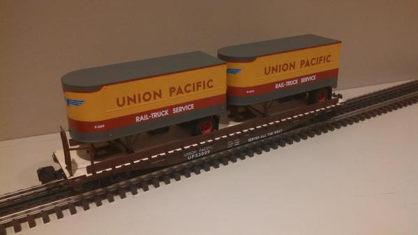 Lionel 6-21860 Union Pacific PS-4 Flatcars with Piggyback Trailers 2-Pack.b