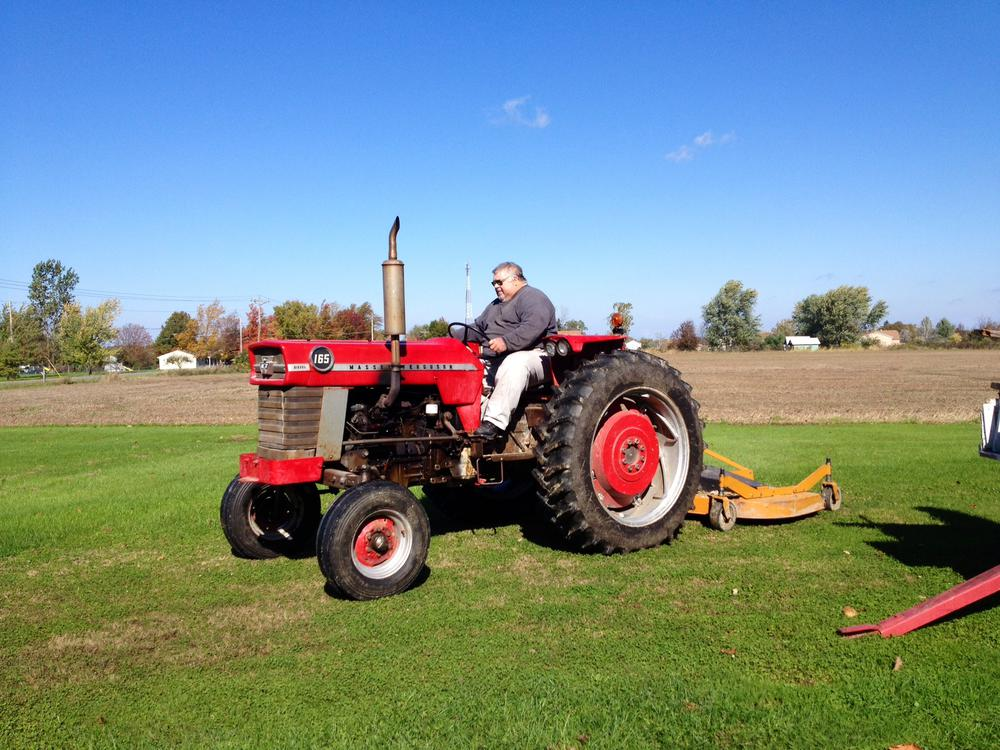 Guy On Tractor : Train guys are tractor too o gauge railroading on