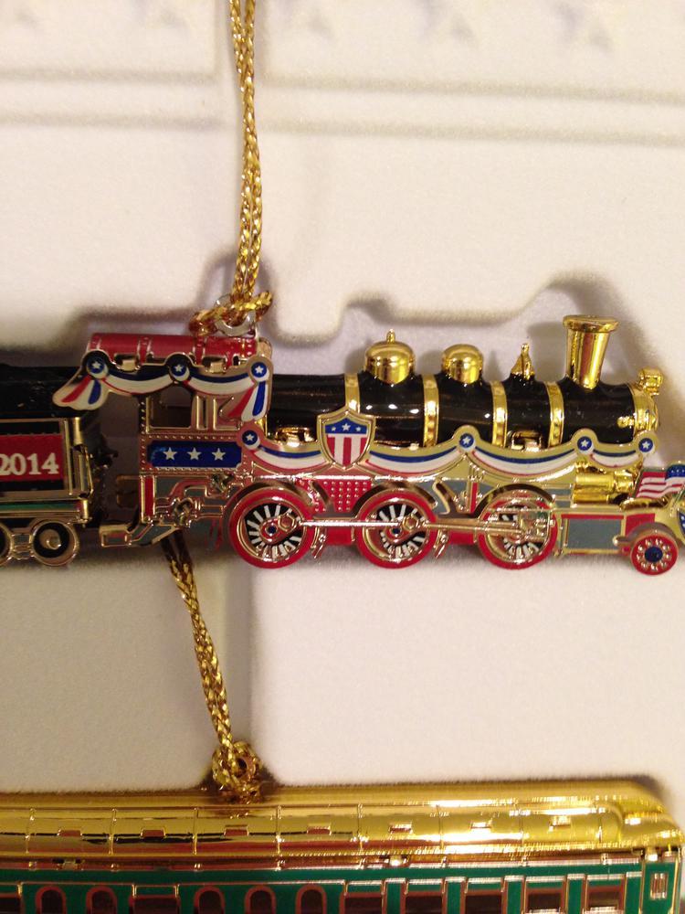 Like ... - The 2014 White House Christmas Ornament Train O Gauge Railroading