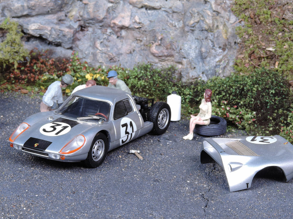 Gt Race Car Unloading Scene O Gauge Railroading On Line Forum