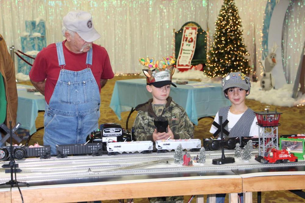 Chesapeake Holiday Craft Show