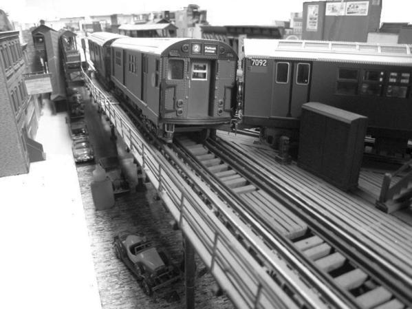 irt-train-splits-switch-on-the-el_5696201262_o